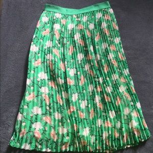Old Navy Floral Pleated Skirt XS